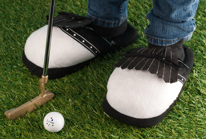 Slip into some very comfortable golf gear this Christmas. (Photo: gettingpersonal.co.uk)